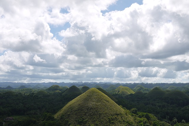 top destinations in the philippines chocolate hills